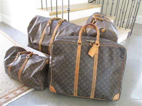 Set Vintage Lv 2 louis vuitton vintage gentleman s set of monogram travel luggage at 1stdibs