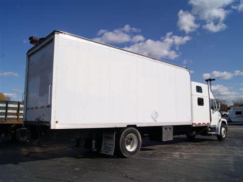 Box Truck With Sleeper by Freightliner Fl80 2001 White Box Truck W Sleeper Diesel
