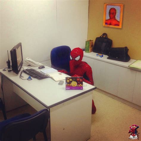 Spider Sitting At Desk by Sitting At His Desk Desk Design Ideas