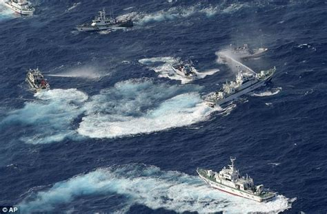 fishing boat attack senkaku islands japan and taiwan boats attack each other