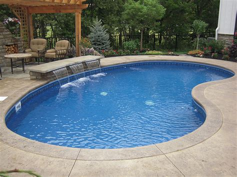 small kidney shaped pool kidney pool kidney pool shape pictures swimming pool