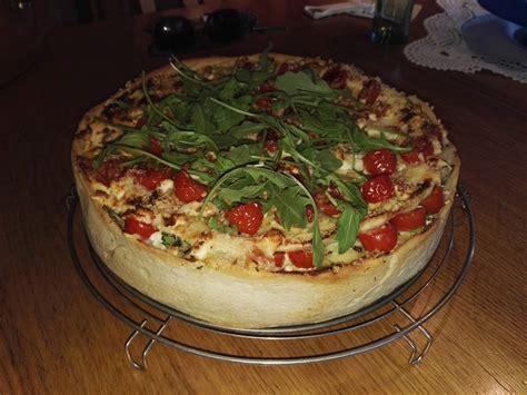 pizza kuchen chefkoch herzhafter pizza kuchen hannah kocht einfach chefkoch de