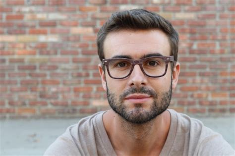 mens hairstyle to make face look thinner the best beard for every face shape prowdr