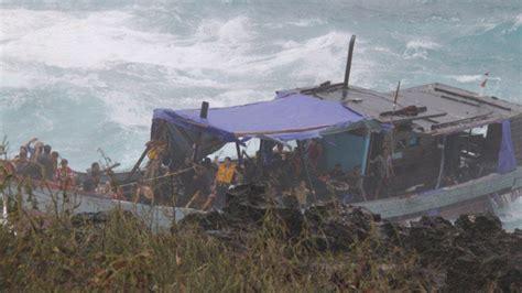 refugee boat crash christmas island community tells of shock in the wake of