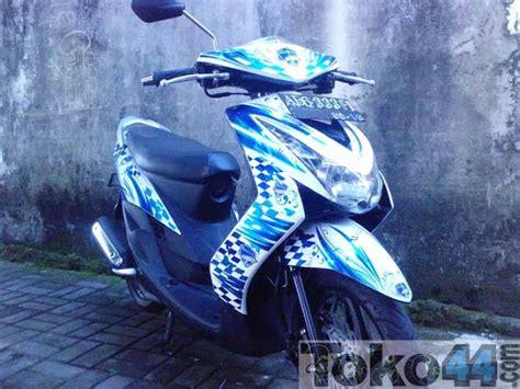 Stiker Motor Mio Soul 2009 Putih modifikasi stiker motor mio oto trendz