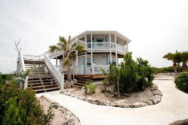 Pictures House Cockburn Town Bahamas Le Petit Paradis