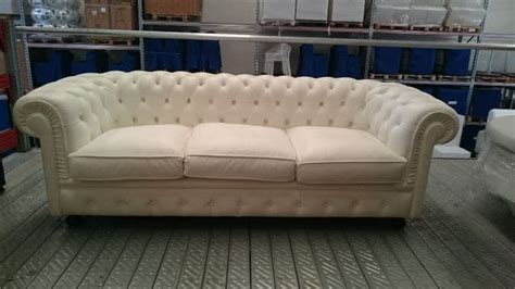 divano pelle usato vendita divani chesterfield in pelle a prezzi di outlet