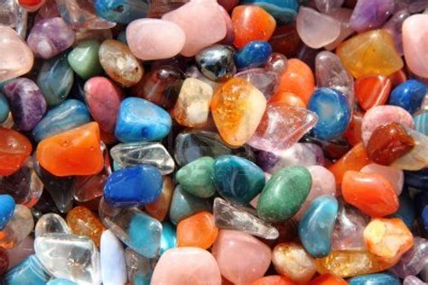 what color is mineral how do geologists identify minerals