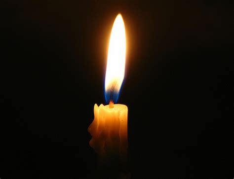 frasi sulla luce delle candele siate sempre nella gioia non spegnete lo spirito