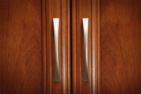 door handles kitchen cabinets how to select your cabinet knobs and pulls