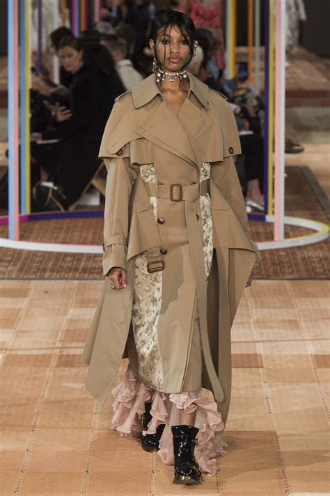 Cropped Trench Coats Stylecrazy A Fashion Diary by Trend Alert The Deconstructed Trench Coat Yoyokulala
