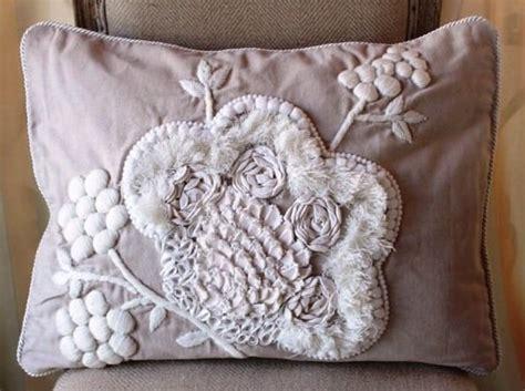 cuscini stile shabby arredare casa con i cuscini shabby chic di emporio