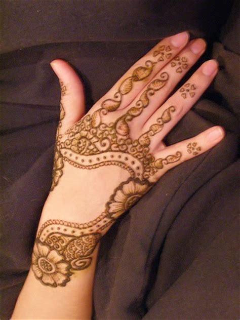 30 best flowers tattoo finger foot hand cute small design