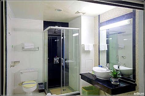 desain kamar mandi tanpa bathup 60 desain kamar mandi shower minimalis tanpa bathtub