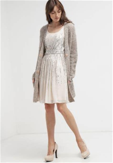 jurken summer chic dresscode chic bekijk hier de kledingtips met foto s