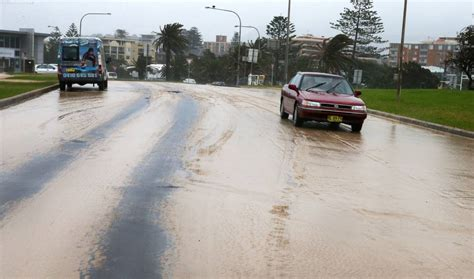 boat covers illawarra wild weather causes chaos in the illawarra photos