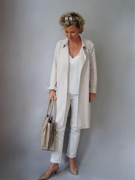 sommerbeige fuer tasche und schuhe mature woman fashion