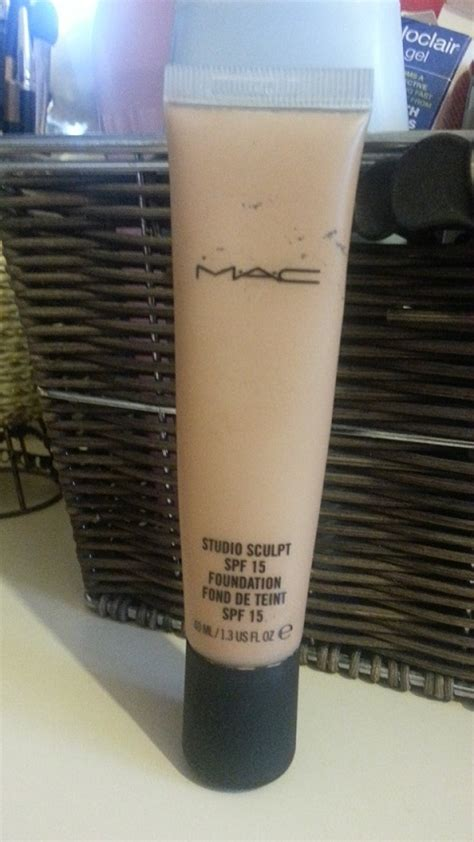 Mac Studio Sculpt Foundation mac studio sculpt foundation spf 15 swatch review fotd