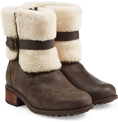 do wear ugg boots do you wear socks with your ugg boots