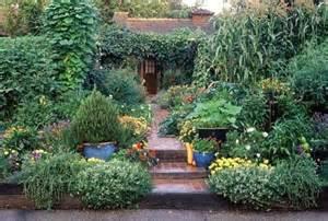 edible landscaping with nardozzi julie moir