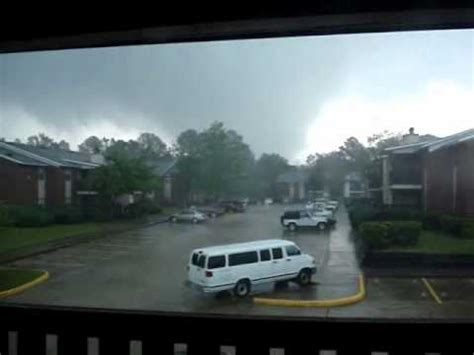 tornado in clinton mississippi jackson area april 15