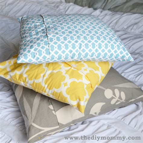 make decorative throw pillows sew a buttoned pillow cover