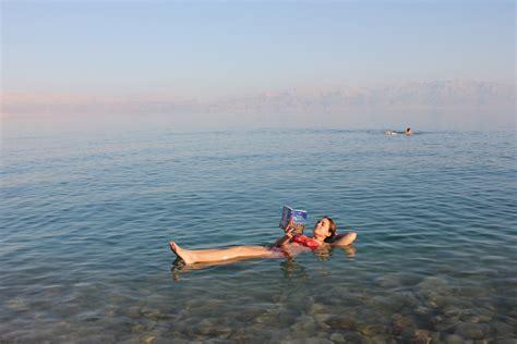 imagenes impresionantes del mar muerto mar muerto flotando mis viajes por ah 237 187 mis viajes por ah 237