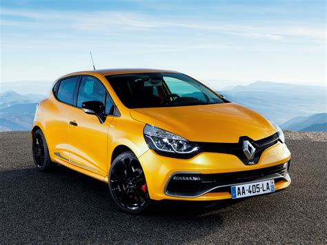 Renault Clio 3 by Renault Clio 3 Free Car Wallpaper