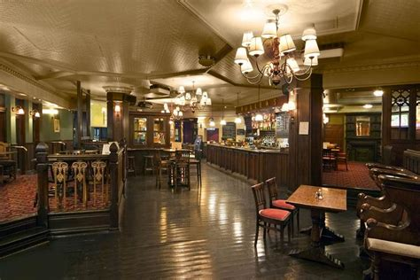 Top Bars In Canary Wharf by The Cat And Canary Canary Wharf