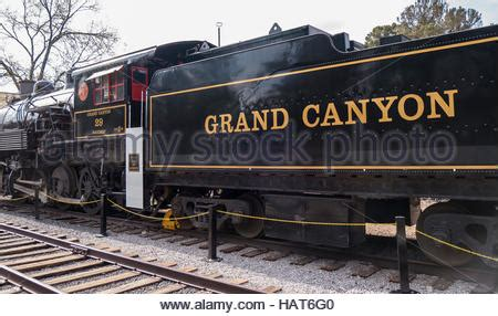 steam train locomotive at the grand canyon station in