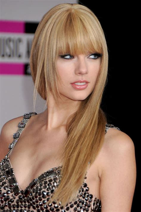 pictures of taylor swift with straight hair and bangs and bob taylor swift with straight hair at the american music