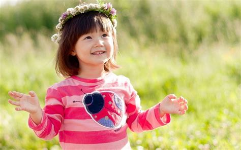 beautiful girl themes com beautiful baby girl wallpapers free group 66