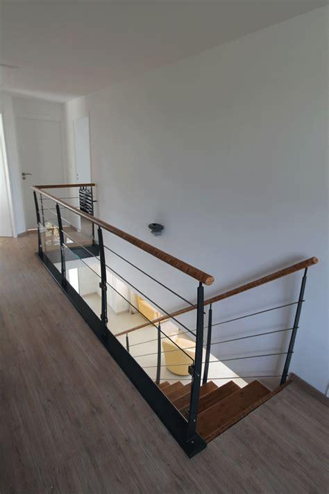 Escalier Metal 744 by Escalier Tournant Un Quart Escalier M 233 Tallique Et Bois