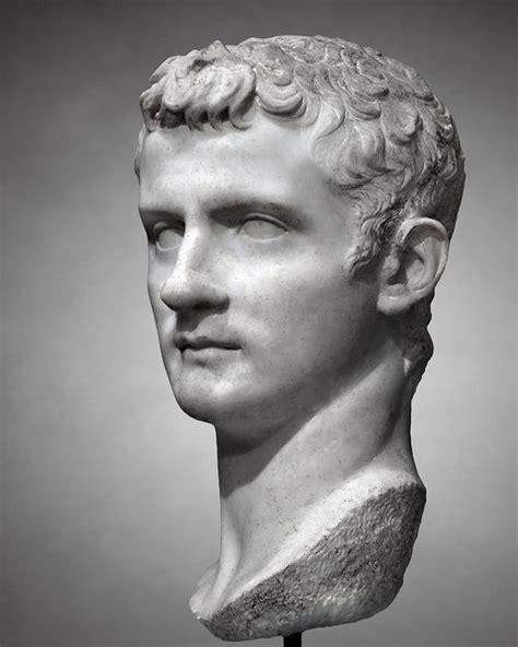 Gaius Julius Caesar Lebenslauf Kurz 17 Best Images About Julio Claudians 27 B C E 69 C E On Statue Of Museums And