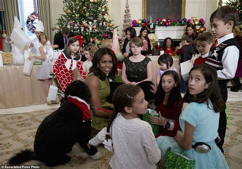 first dog in the white house michelle obama unveils record breaking white house christmas decorations daily mail