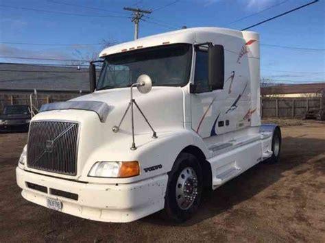 18 wheeler volvo trucks for sale volvo vnl630 2000 sleeper semi trucks