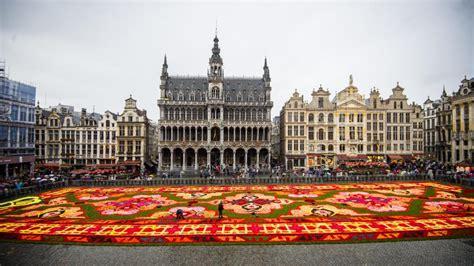 Tapis De Fleurs Grand Place by Le Tapis De Fleurs De La Grand Place De Bruxelles Revient