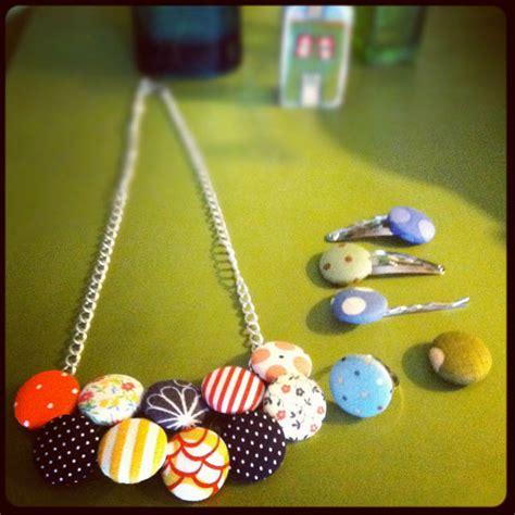 Handmade Necklace Tutorial - dit craft fabric button necklace dear handmade