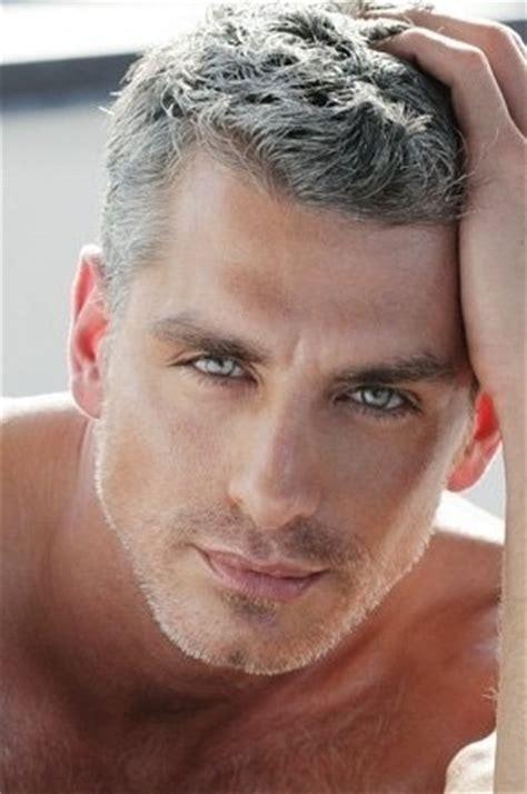 good looking men with grey hair silver fox mancandy pinterest