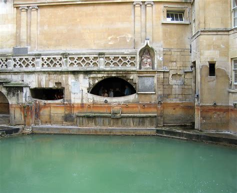 roman bathrooms sewer history photos and graphics