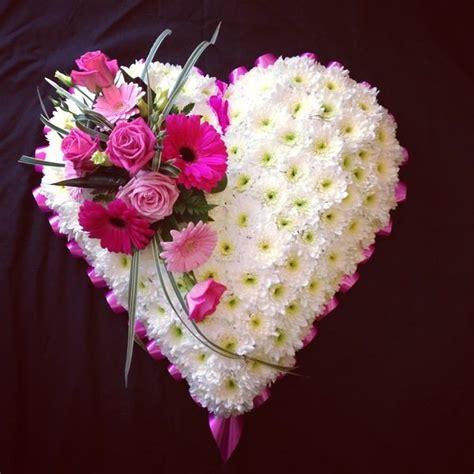 Wreaths, Hearts and Posy Pads ? Country Garden Florist Tonbridge Kent