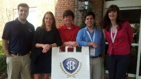 Mba Requirements Ole Miss by Mba Students Sharpen Business Skills For Competition