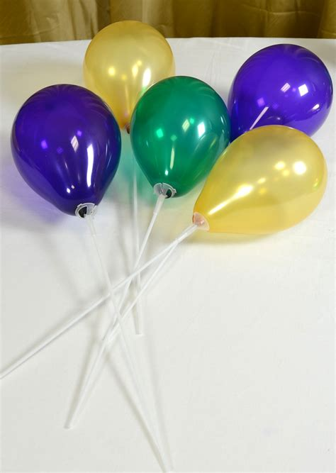 Balon Polkadot Stick balloons soups and center pieces on