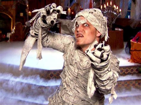 celebrity halloween costumes mummy how to make a punk mummy costume diy