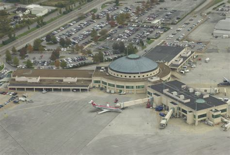 we buy houses chattanooga consultant firm suggests chattanooga airport be renamed chattanooga airport
