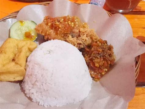 Ayam Panggang Malang ayam goreng nelongso malang culinary lounge