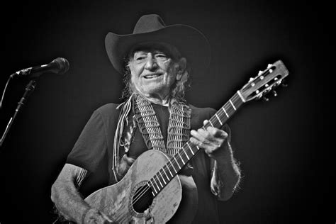 house music 2014 list willie nelson radio city music hall june 10 2014 the house list