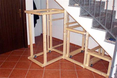porte per sottoscala ilsitodelfaidate it fai da te falegnameria costruire