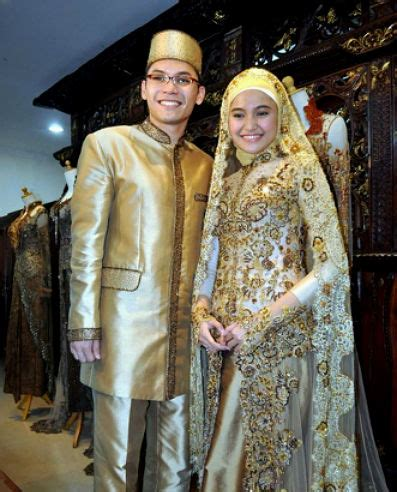Pakaian Pengantin Modern jenis pakaian adat jawa timur pesa an madura model