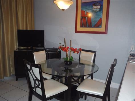 Tv In Dining Room | dining room tv picture of morritts tortuga club and